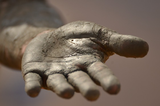 hand-1331323_1920.jpg